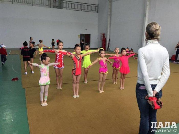 Гимнастки из Актау привезли весь комплект наград с чемпионата в Атырау