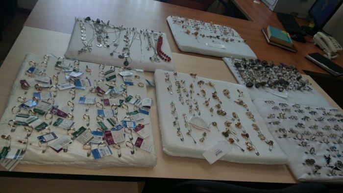 Укравшую ювелирные изделия на 15 миллионов тенге преступную группу раскрыла полиция Мангистау