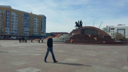 После встречи с акимом области, жители Атырау покинули центральную площадь