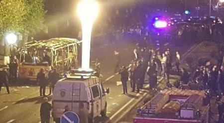 Пассажирский автобус взорвался в столице Армении
