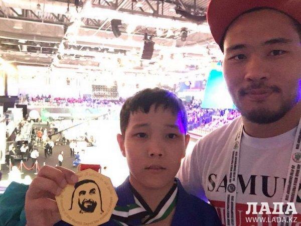Атакельды Есетов из Мангистау занял первое место на чемпионате мира по джиу-джитсу в Абу-Даби