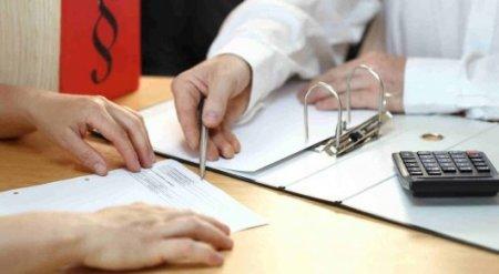 Больше половины казахстанцев, взявших потребительские кредиты, скрываются - Нацбанк