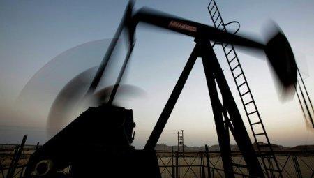 Нефть дешевеет после продолжительного роста