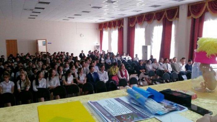 Наркополицейские Актау рассказали студентам о вреде курительных смесей