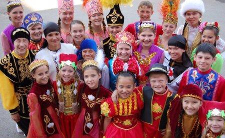 Глава государства поздравил казахстанцев с Днем единства народа
