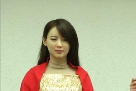 Просто копия: китайцы показали пугающе похожих на человека роботов