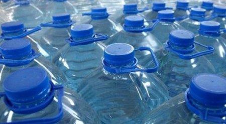 Казахстанские онкологи предупредили о вреде напитков в пластиковых бутылках