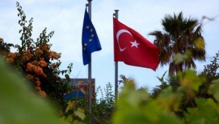 Турция объявила о безвизовом режиме для стран Шенгенской зоны