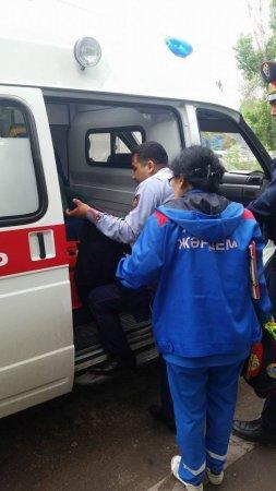Очевидцы сняли пьяных полицейских, совершивших ДТП в Алматы