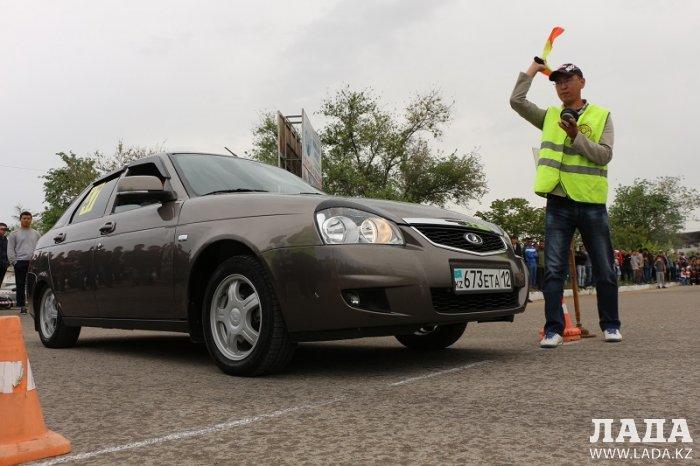 Дмитрий Казаков стал победителем соревнований по скоростному маневрированию в Актау