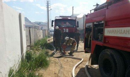 В результате пожара в поселке Приморский сгорели второй этаж и крыша жилого дома