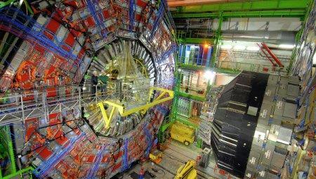 "ЦЕРН: БАК возобновил работу после атаки куницы-""диверсанта"""