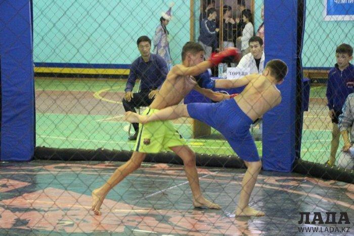 На чемпионате Казахстана по жекпе-жек в Актау хозяева соревнований заняли первое общекомандное место