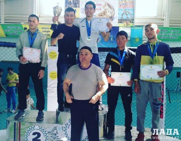 На Кубке Казахстана по жекпе-жек в Алматы спортсмены из Мангистау завоевали 10 медалей