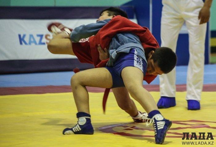 На Кубке Актау по самбо хозяева соревнований завоевали 46 медалей