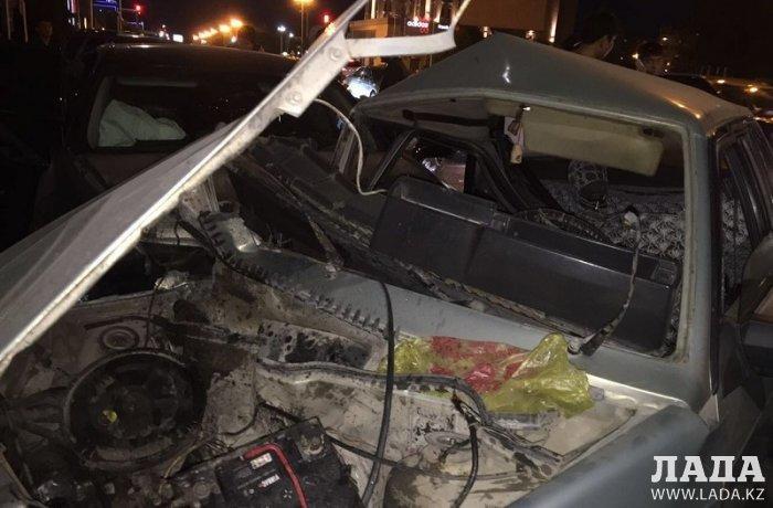 В Актау при столкновении автомашин Lexus и Lada тяжело травмирован мужчина