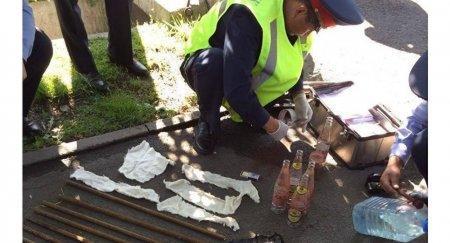 СМИ: арматура и бутылки с керосином найдены у Площади Республики в Алматы