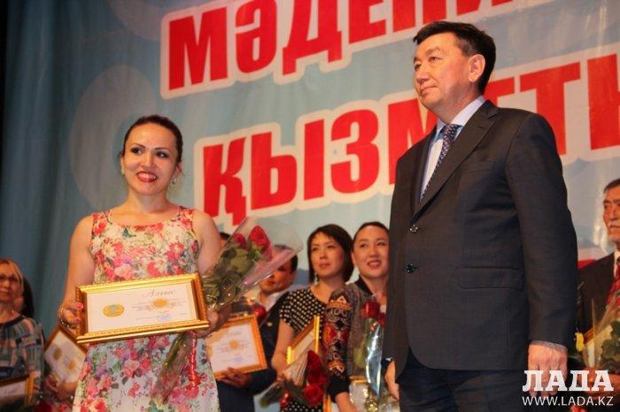 В Актау наградили деятелей культуры и искусства
