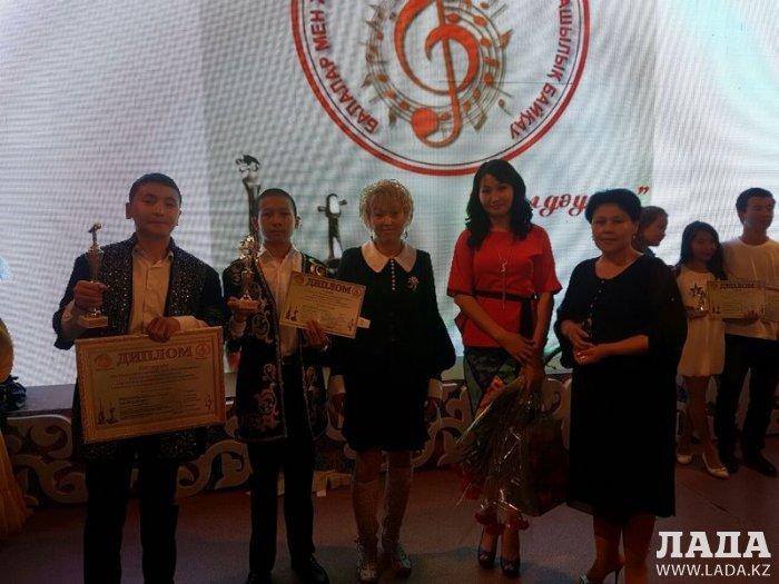 Жанаозенские кюйши Бахтияр Рзабеков и Даулет Мухайлыев привезли награды с республиканского конкурса