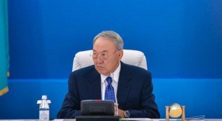 Назарбаев о детях Интернета: Старшему поколению нужно их понять и не мешать