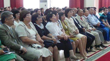 Педагоги Мангистау обсудили проблемы системы образования в регионе на встрече с вице-министром Эльмирой Сухамбердиевой