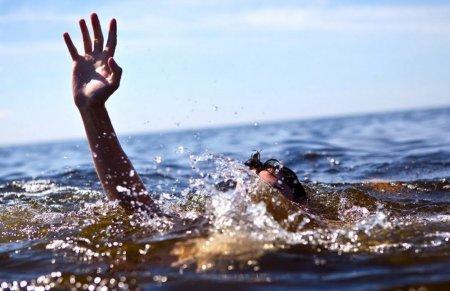 Правила поведения на воде и оказание первой медицинской помощи утопающему