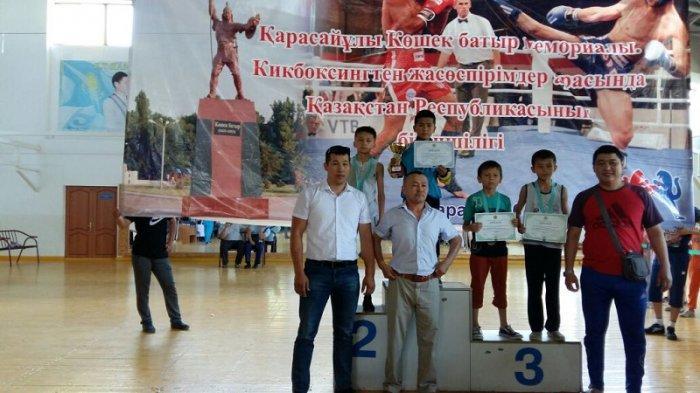 Спортсмены из Актау завоевали восемь медалей на чемпионате Казахстана по кикбоксингу
