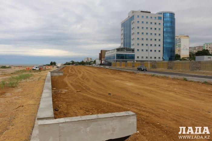 Уркен Бисакаев: Работы по благоустройству набережной между 7 и 14 микрорайонами Актау планируем завершить в середине июля