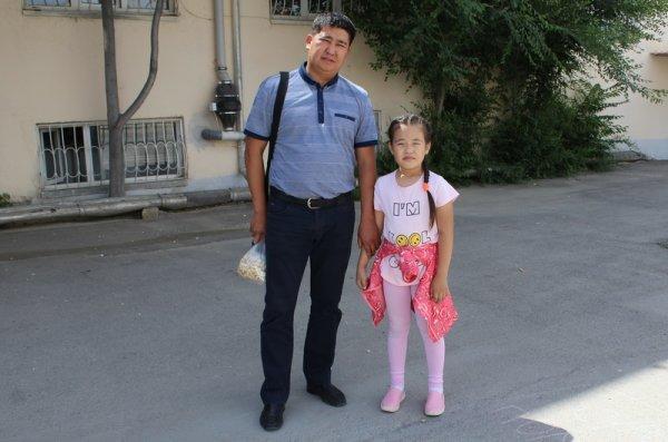 В Актау прошел конкурс рисунка на асфальте среди детей сотрудников полиции
