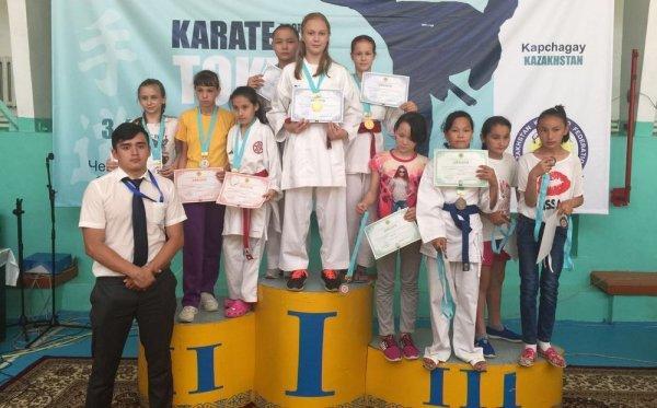 Спортсмены из Актау завоевали восемь медалей на чемпионате Казахстана по шито-рю карате-до