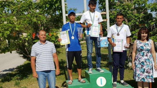 Яхтсмен из Актау Ескильди Махсен взял «серебро» на чемпионате Узбекистана по парусному спорту