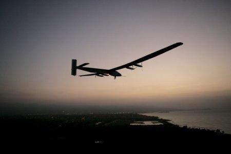 Самолет на солнечных батареях впервые перелетел через Атлантику
