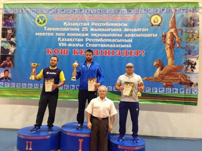 Армрестлеры из села Баскудук завоевали шесть медалей на республиканской спартакиаде школьников и студентов в Таразе