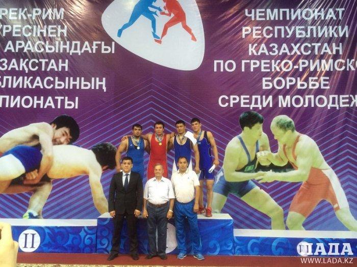 Спортсмен из Актау Салават Ахметкали завоевал «золото» на чемпионате Казахстана по греко-римской борьбе