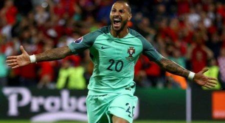 Гол на 117-й минуте вывел Португалию в четвертьфинал Евро-2016