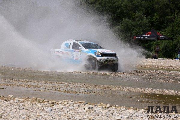 Экипаж казахстанской команды «MobilEx Racing Team»  вошел в 10-ку лучших на втором этапе «Italian Baha»