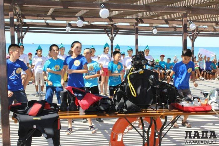Спасатели Актау провели спортивные состязания среди детей из пришкольных лагерей