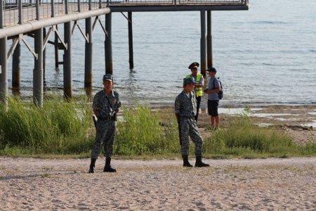 В Актау на берегу моря обнаружен труп мужчины