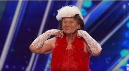 Эротический танец 90-летней бабушки покорил жюри американского шоу