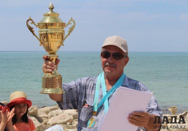 Более семи килограммов рыбы поймал победитель открытого кубка Актау по спортивной ловле