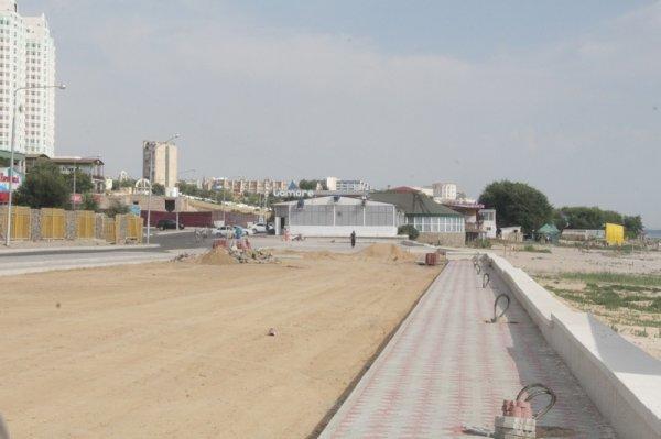 Аким Актау: На строительство набережной в 15 микрорайоне выделили 360 миллионов тенге