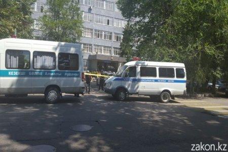 В Алматы в районе Алмалинского РУВД слышна стрельба