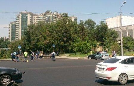 В Алматы из-за стрельбы закрылись торговые центры, банки, детсады и прочие учреждения