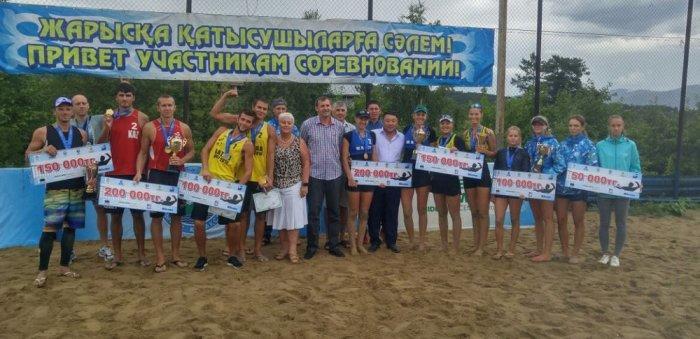 Спортсмены из Актау завоевали четыре медали на открытом Кубке Казахстана по пляжному волейболу