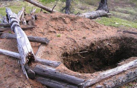 Семья погибла в Жамбылской области, провалившись в выгребную яму туалета
