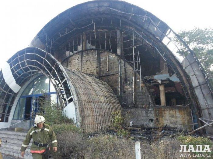 Появились фото последствий пожара в развлекательном центре «Nautilus»