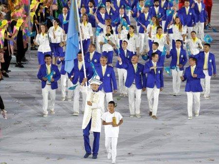 Сборная Казахстана прошла по главной арене Олимпиады в Рио