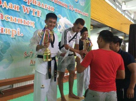Команда Актау заняла первое место на открытом турнире по таэквондо