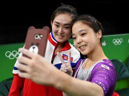 Гимнастке из КНДР грозит смертная казнь за селфи с южнокорейской спортсменкой