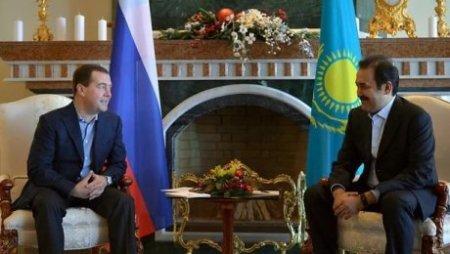 Масимов обсудил с Медведевым вопрос возврата останков Кенесары хана и Кейки батыра